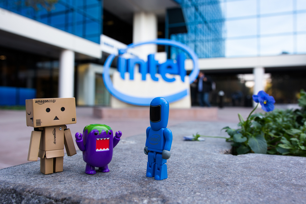 Danbo and Domo meet a new friend in Silicon Valley